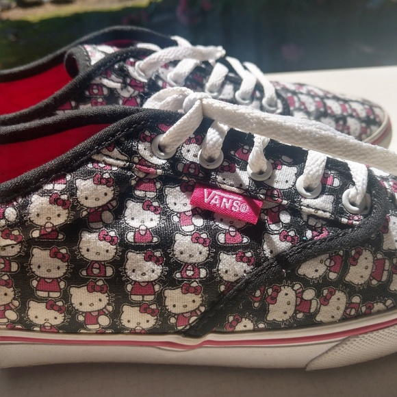 2d24a8bff Vans Shoes   Hello Kitty Womens Size 6   Poshmark